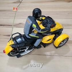 New Bright CAN-AM Spyder Radio Control Car R/C Vehicle Missing Remote Excellent